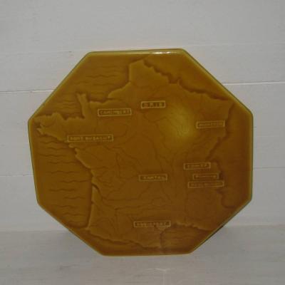 Ancien dessous de plat offert par la société fromagère du Mont Chauvet