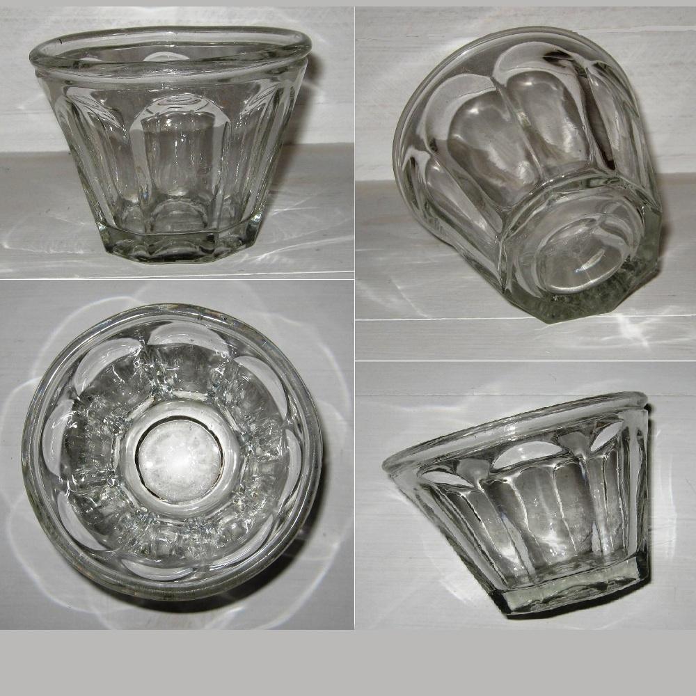 Ancien pot a confiture en verre moule de forme conique 2