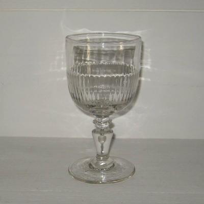 Ancien verre à vin ou à eau (a)