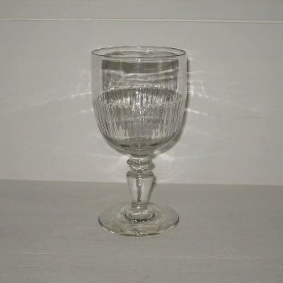 Ancien verre à vin ou à eau (b)