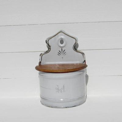 Ancienne boîte à sel en tôle émaillée