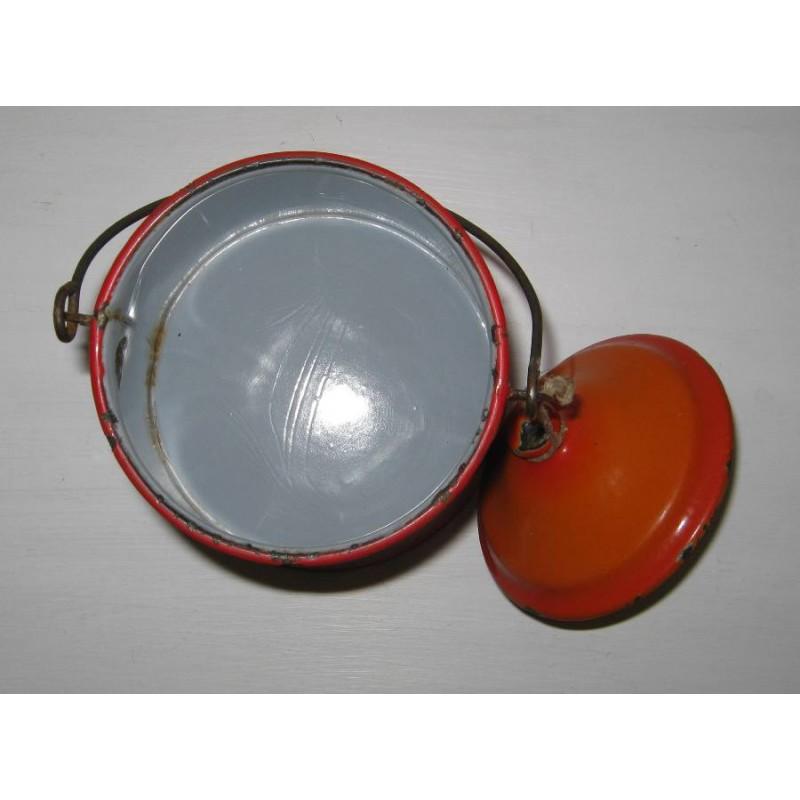 Ancienne laitiere en tole emaillee ton orange avec frise geometrique 8