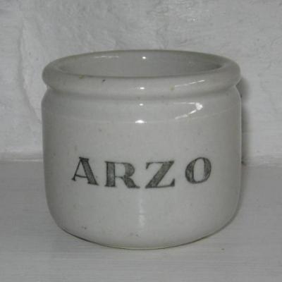 Pot de yaourt en céramique marqué ARZO