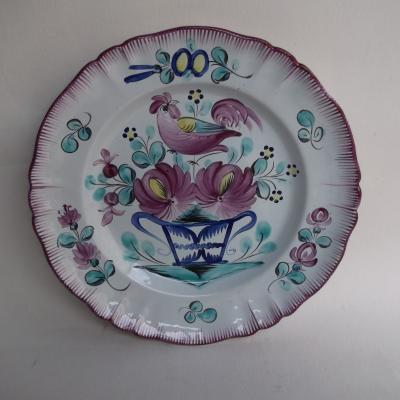 Ancienne assiette en faïence de l'est décor coq panier