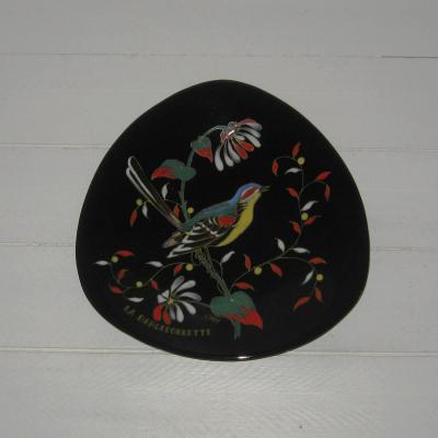 Ancienne assiette décorative en émaux de Longwy La Bergeronnette par L Valenti