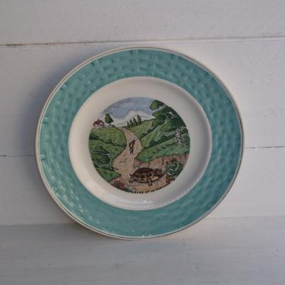 Ancienne assiette à dessert fable de La Fontaine le lièvre et la tortue