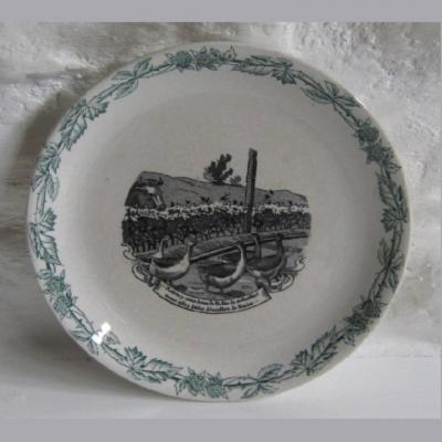 Assiette ancienne de la faïencerie Lorraine FENAL Frères F F Pexonne train oies vache