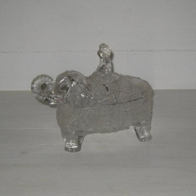 Ancien beurrier éléphant en verre moulé signé Portieux bonbonnière ancienne cornac sur son éléphant