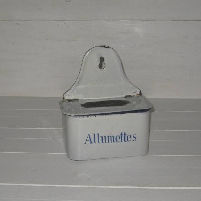 Ancienne boîte à allumettes pyrogène en tôle émaillée blanche écriture bleue