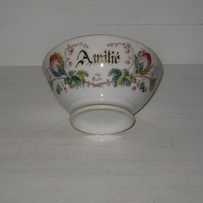 Ancien gros bol en porcelaine de Paris à décor de roses marqué Amitié