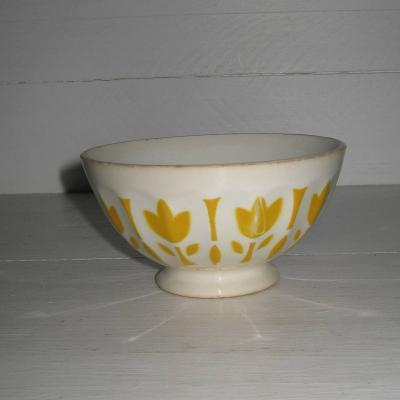 Ancien petit bol en faïence de Sarreguemines frise fleurs jaunes stylisées
