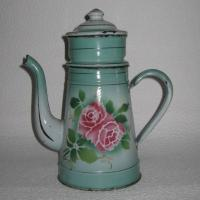 Cafetiere emaillee a la rose 1