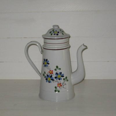 Ancienne cafetière en tôle émaillée fond blanc décoré de fleurs