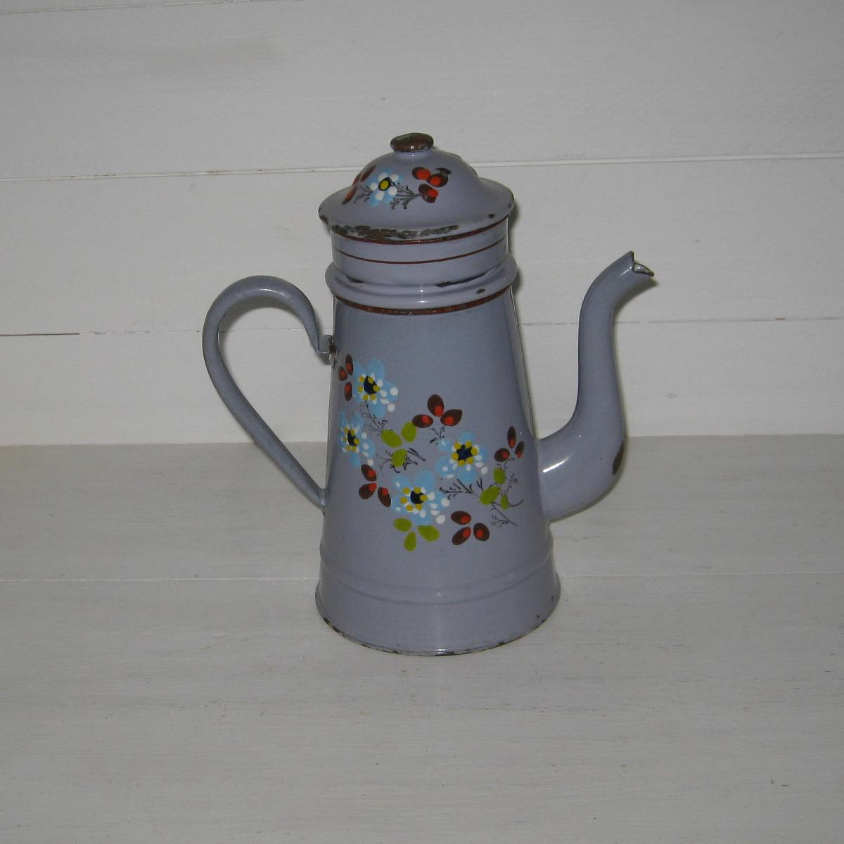 Cafetiere emaillee fond mauve 1