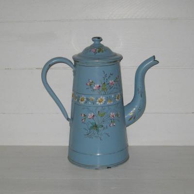 Ancienne cafetière en tôle émaillée fond bleu décoré de fleurs champêtres