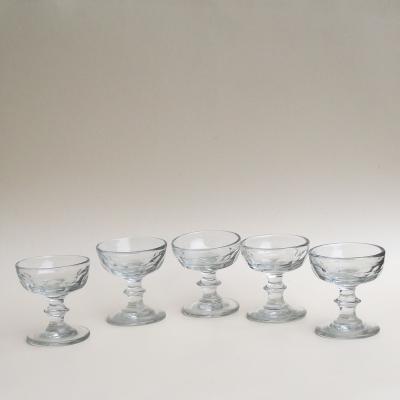Cinq coupes XIXème en verre épais pour cerises à l'eau de vie