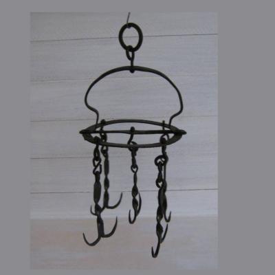 Ancien cherche-puits en fer forgé modèle couronne, grappin, couronne d'office