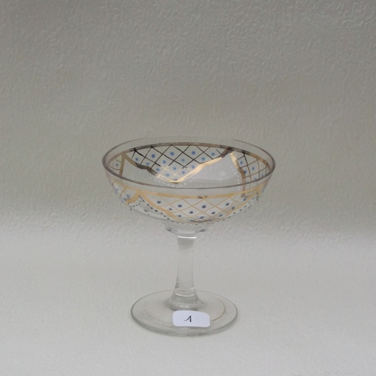 Coupe a champagne cristal emaille a