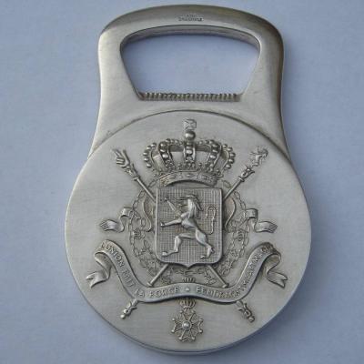 Décapsuleur en métal argenté Christofle L'union fait la force