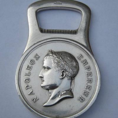 Décapsuleur en métal argenté Christofle Napoléon Empereur