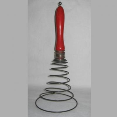 Ancien fouet ressort à spirale manche bois peint en rouge