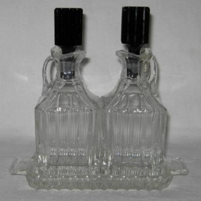 Ancien huilier vinaigrier art déco en verre blanc et noir