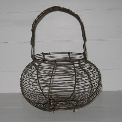 Ancien panier à salade fil de fer ou panier à oeufs