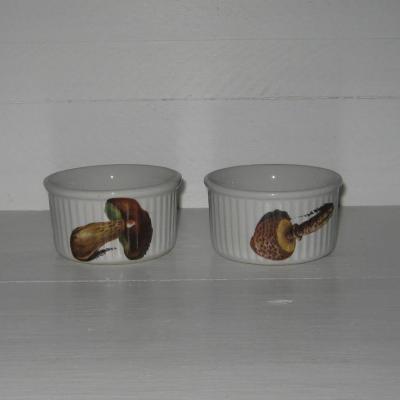 Deux anciens ramequins décor champignons Vulcalux K & G