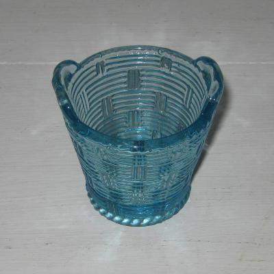 Ancien porte-cure-dents en verre bleu ou salière