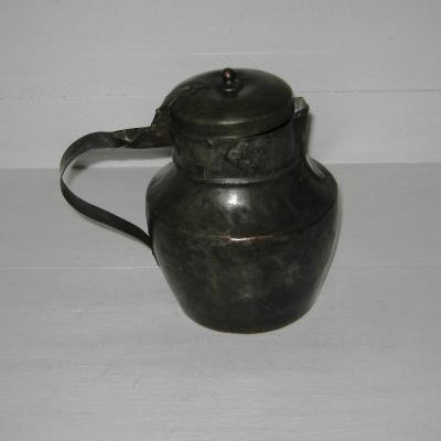 Ancienne bouilloire en métal étamé