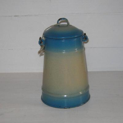 Ancienne laitière pot à lait en tôle émaillée beige et bleue