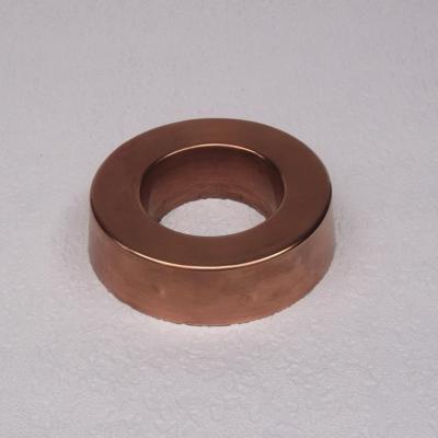 Ancien moule à savarin en cuivre forme couronne (3)