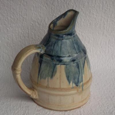Ancien pichet en grès imitant un broc de chai