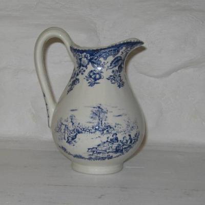Pot à lait Lunéville modèle tradition décor bleu sur fond blanc