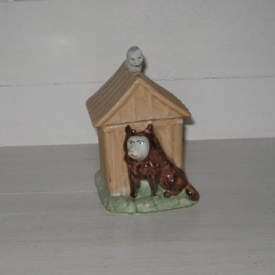 Pot à tabac ancien en porcelaine niche chien et chat