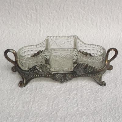 Salière poivrière moutardier en verre monture en métal décor de pampres de vigne ou petite jardinière de table centre de table