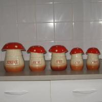Serie de pots a epices en ceramique champignons 1
