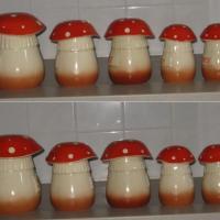 Serie de pots a epices en ceramique champignons 3