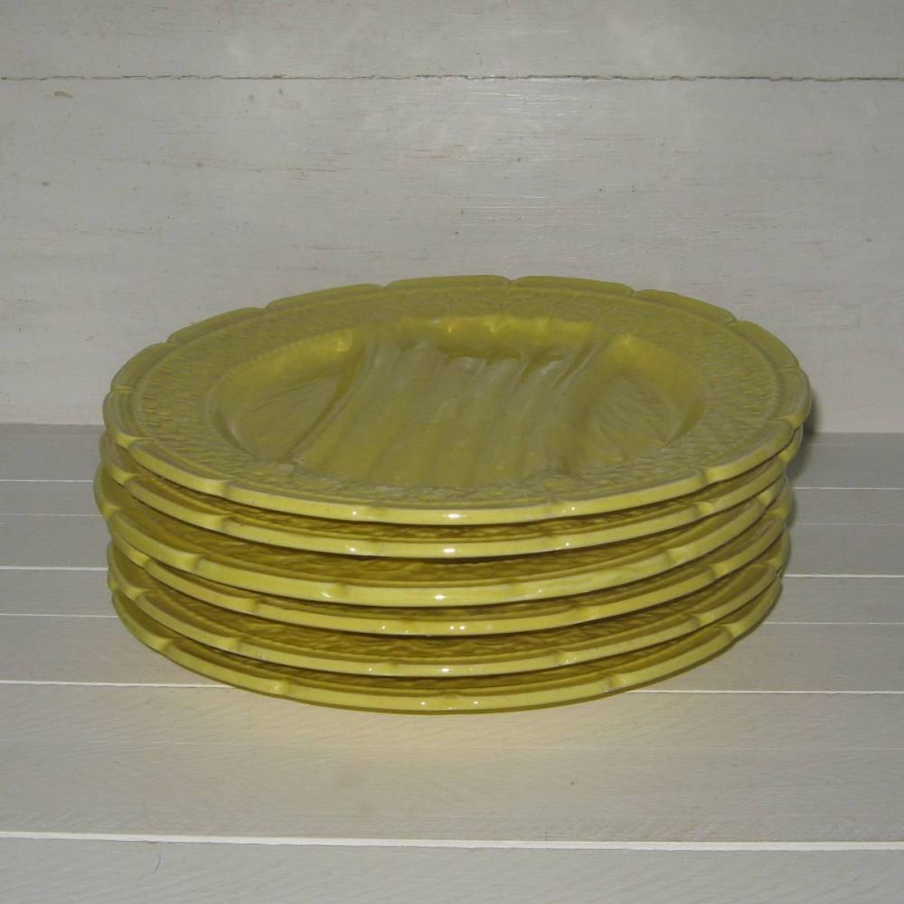 Service a asperges en barbotine jaune orchies 2