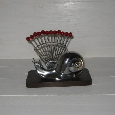 Ancien service à escargots art déco en métal chromé muni de ses douze piques