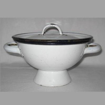 Soupière pot à bouillon tôle émaillée blanche à bords bleus