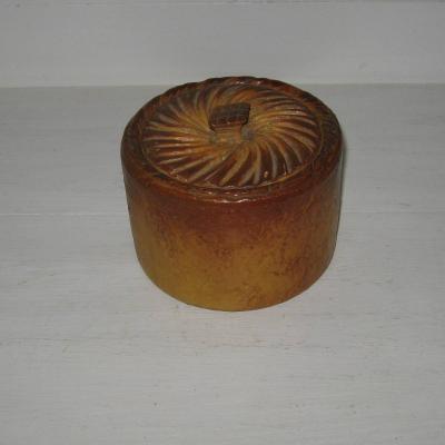 Ancienne terrine en porcelaine pâté en croûte pain brioché trompe l'oeil Mehun