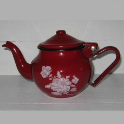 Théière en tôle émaillée rouge bordeaux décor floral