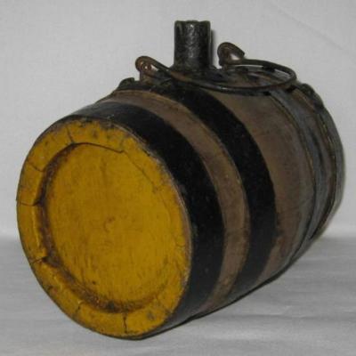 Tonnelet de vendangeur ou de moissonneur en bois cerclé de fer