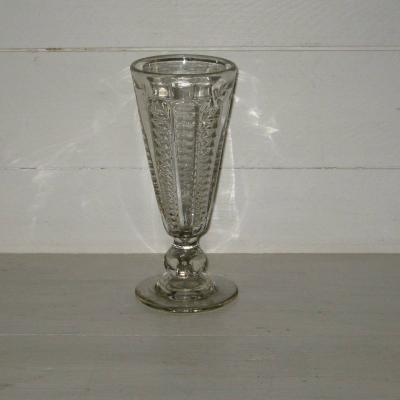 Ancien verre à absinthe en verre moulé (3)